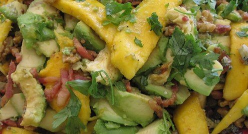 Pepper and avocado salad