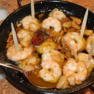 garlic prawns in pan